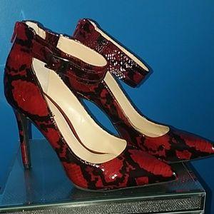Gianni Bini Heels like new!!